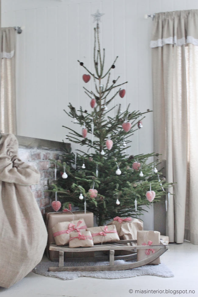 julefred ein nordischer tannenbaum. Black Bedroom Furniture Sets. Home Design Ideas